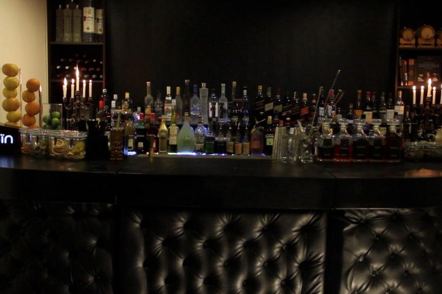 Chesterfield Mobile bar rental
